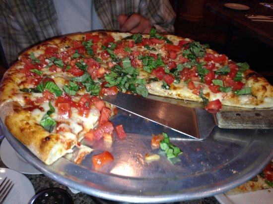 Dominic's Italian Restaurant : Dominic's terrific Margarita Pizza!