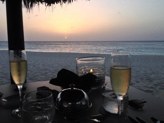 Bucuti & Tara Beach Resort Aruba: Romantic dinner in our palapa