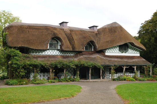 Swiss Cottage: Front View