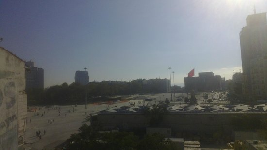 Taksim Line Hotel: View from the breakfast room to Taksim Square