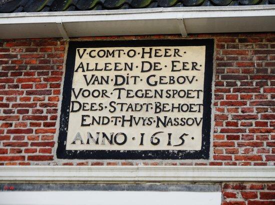 Weegschaal Museum: Tekst spreuk .