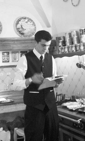 Restaurant Clair de Plume Gastronomique : En cours de service, en arrière salle