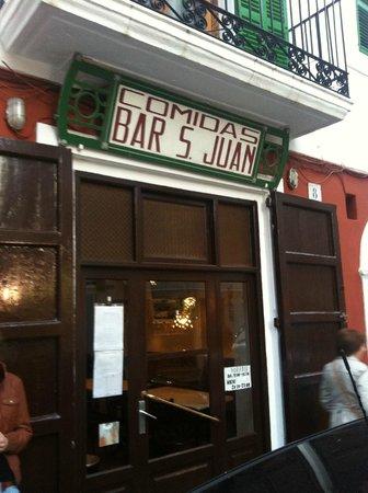 Comidas Bar San Juan : entrada al restaurante