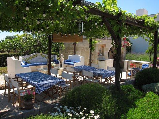 Villa Magnolia: Breakfast Area