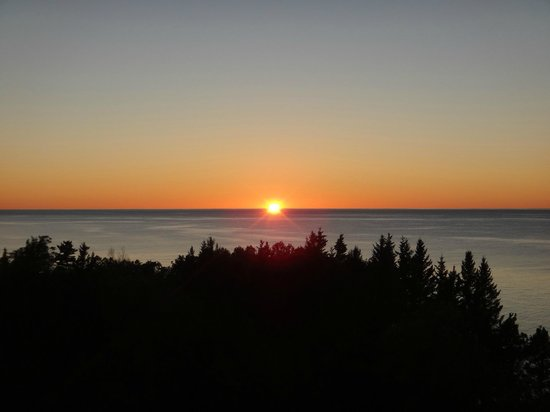 Sand Hills Lighthouse Inn: Sunset from lighthose tower