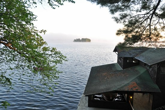 Stout's Island Lodge: Taken from the top of the stairs facing north
