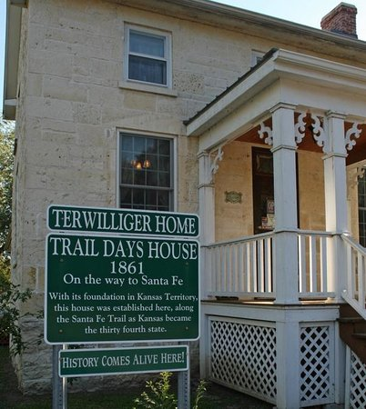 Trail Days Cafe & Museum: Sign stating historic name of the building
