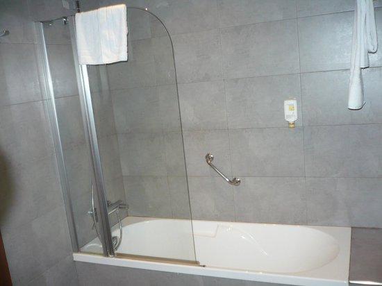 Sercotel Hotel Gran Bilbao: Baño