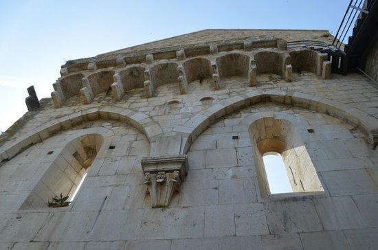 Borgo Villa Maria: ruins