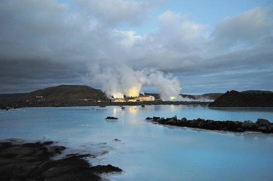 Blue Lagoon Iceland: Blue Lagoon - outside view