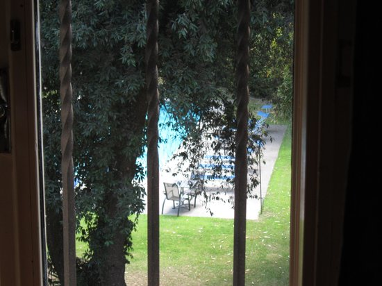 Hotel Villa Ciconia: View from room out to pool