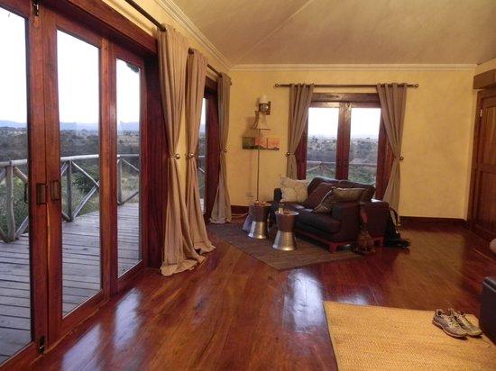 Escarpment Luxury Lodge: Comfortable bed