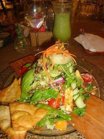 Walnut Grove: Casablanca Salad