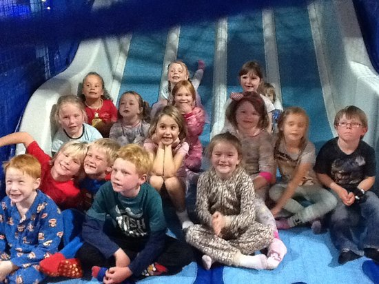 Frostys Fun House: Party time