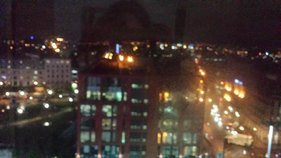 Mercure Manchester Piccadilly Hotel : view at night