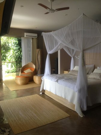 Vila Pedra Mar: The honeymoon suite (or really only part of it!)