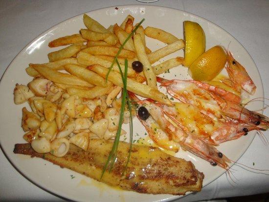 Fishmonger Illovo: Main Dish - Mixed Platter