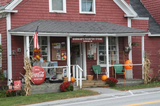 Harman's Cheese & Country Store: front of the store