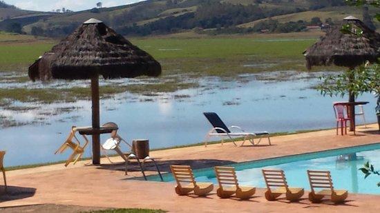 Alfenas, MG: Vista da piscina.