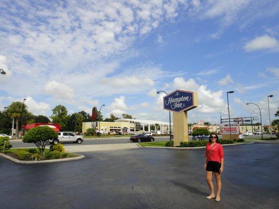 Hampton Inn Orlando - Florida Mall : Frente do Hotel