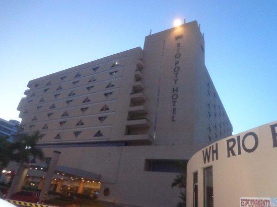 Rio Poty Hotel Sao Luis: Vista da entrada do Hotel.
