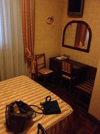 Hotel Boccaccio : small rooms