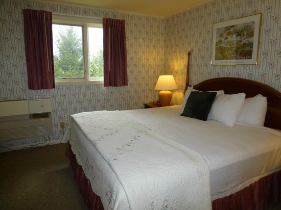 Golden Eagle Resort: Bedroom #1