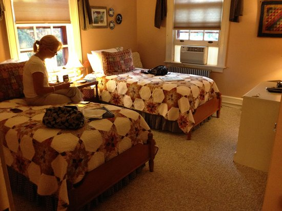 The Lancaster Bed and Breakfast: The Juniper Room