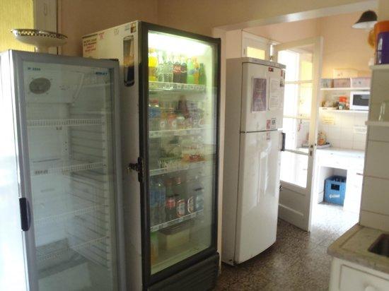 Cozinha Limpa E Muito Bem Organizada