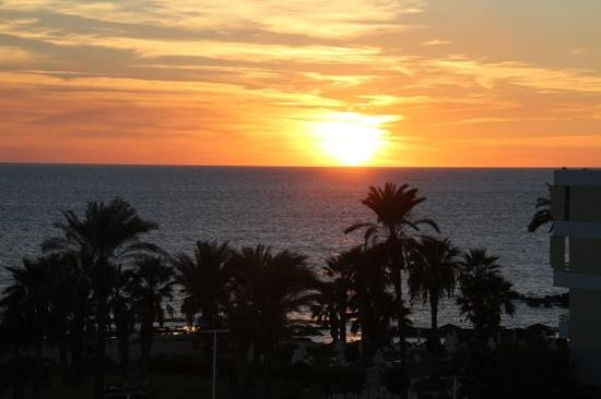 Constantinou Bros Athena Royal Beach Hotel : sunset from our balcony