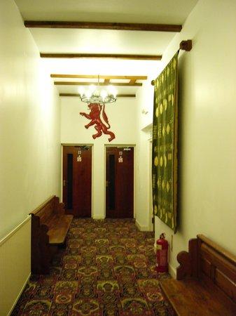 Broomhall Castle : Hallway