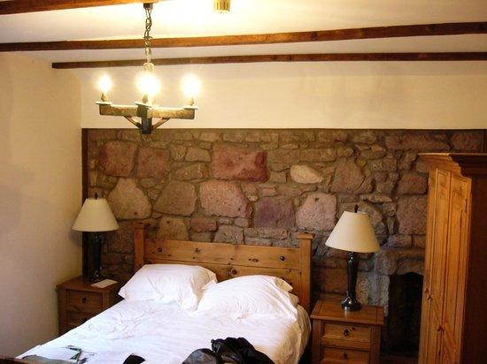 Broomhall Castle : Our room