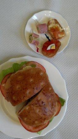 Hotel San Anselmo: Breakfast