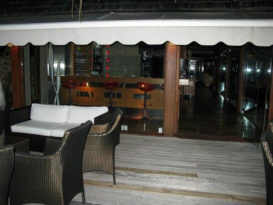 La Villa des Sens : Patio view into the bar