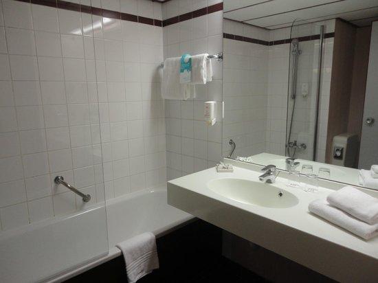 Mercure Salzburg City: Banheiro