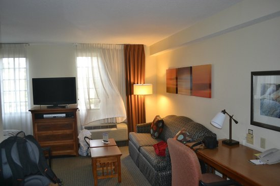 Staybridge Suites Ft. Lauderdale Plantation: plenty room to enjoy