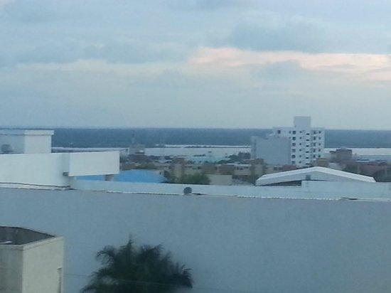 Estelar En Alto Prado Hotel: Vista al rio