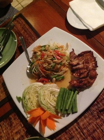 Suanthip Vana Resort: food, food and more food