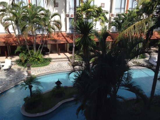Sanur Paradise Plaza Hotel: View from a window