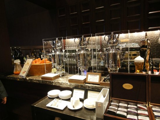 Hotel Granvia Kyoto: 朝食(ティーサーバー)