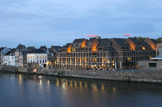 Crowne Plaza Maastricht : Crowne Plaza by the river