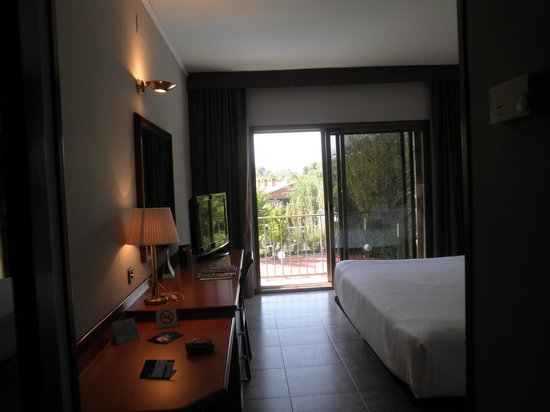 Hotel Ciudad de Castelldefels: otra vista de la habitacion