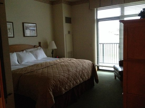 The Steamboat Grand: King bed in one bedroom condo