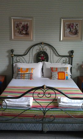 Bed and Breakfast Smart: comfortable bed