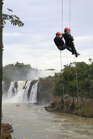 Abseiling in the Iguacu Canyon: Rapel a dois!