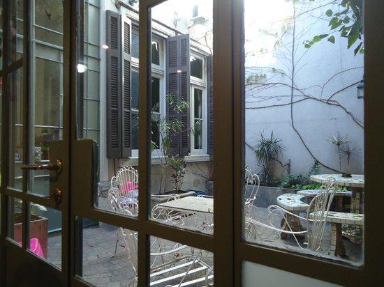 Petit Hotel El Vitraux: Vista do café da manhã
