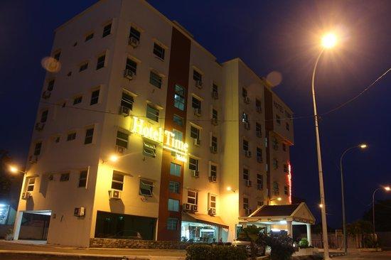 Time Hotel Melaka: Hotel exterior