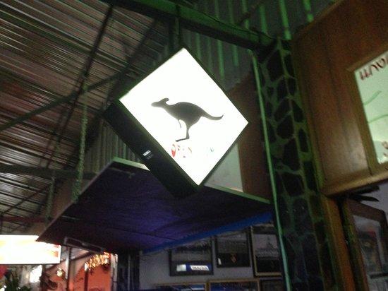 Aussie Burger & Sports Bar: Yep its an Aussie