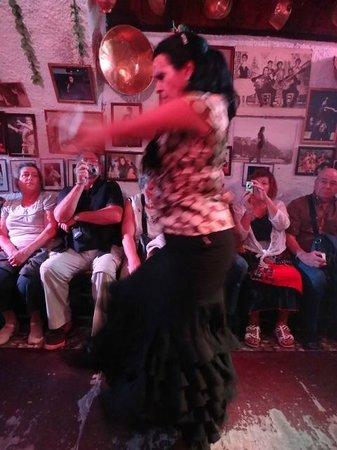 Cueva de la Rocio: Dancers