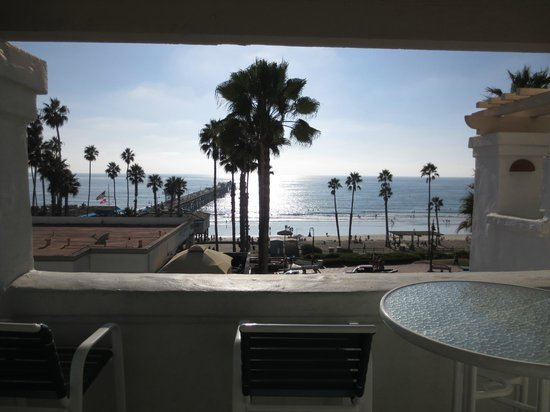 San Clemente Cove Resort Condominiums: View from balcony looking across towards beach and pier